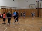 Prosinec 2016 – vánoční volejbalové utkání mezi žáky a učiteli